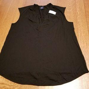 GAP Maternity sleeveless ruffle v-neck top